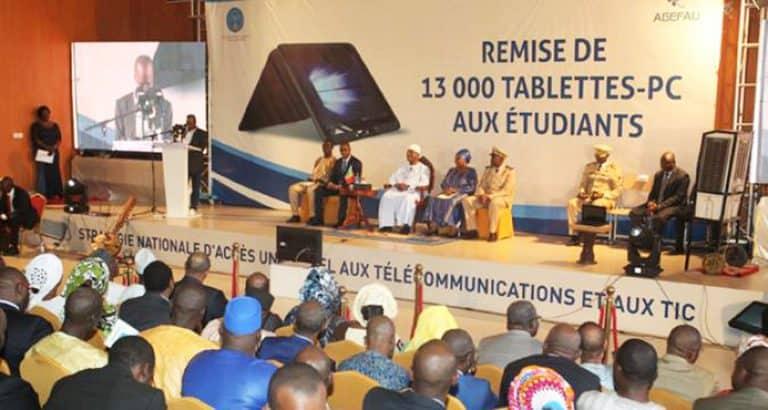 ordinateur etudiant Tablettes ordinateurs université conférence de presse presse Bamako Mali