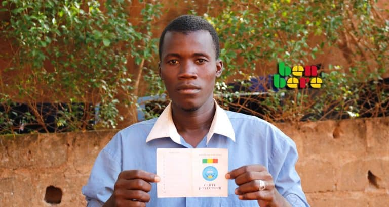 comment carte electeur carte_d_electeur_ jeune_ Bamako_ Mali