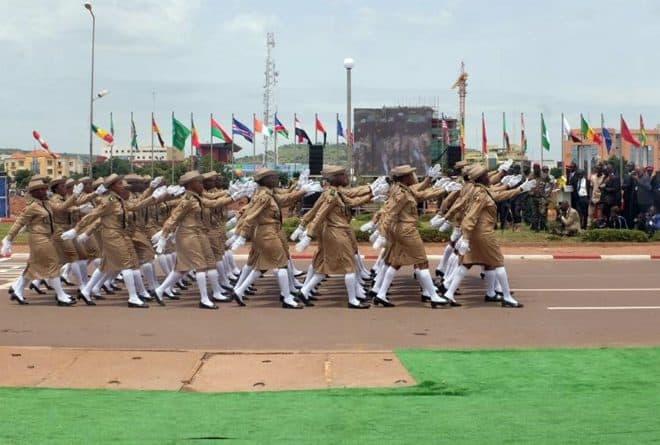 Non, le défilé du 22 septembre ne démontre pas la puissance de l'armée malienne