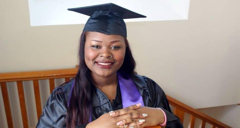 femmes foyer gros diplômes