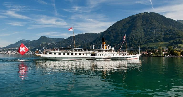 mali apprendre suisse bateau_drapeau_Geneve_Suisse