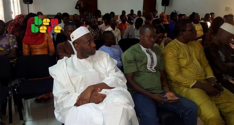 benbere guerre contre prejuges événement_salle_homme_d_Etat_invites_hommes_femmes_Bamako_Mali