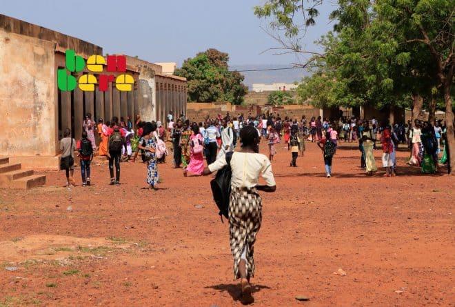 Au Mali, toutes les écoles doivent exiger l'uniforme