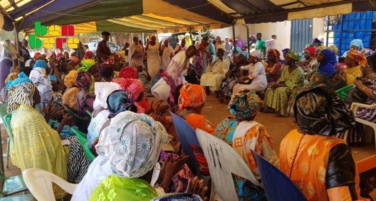 depenses femmes maliennes Mariage_femmes_fete_ danseur_chanteur_ Bamako_ Mali