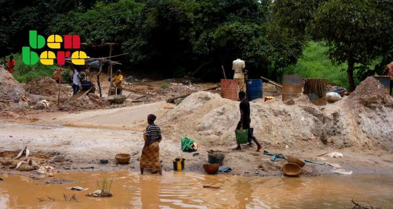 mali site orpaillage tourela lieu_orpaillage_travailleurs_outils_riviere_Tourela_Mali