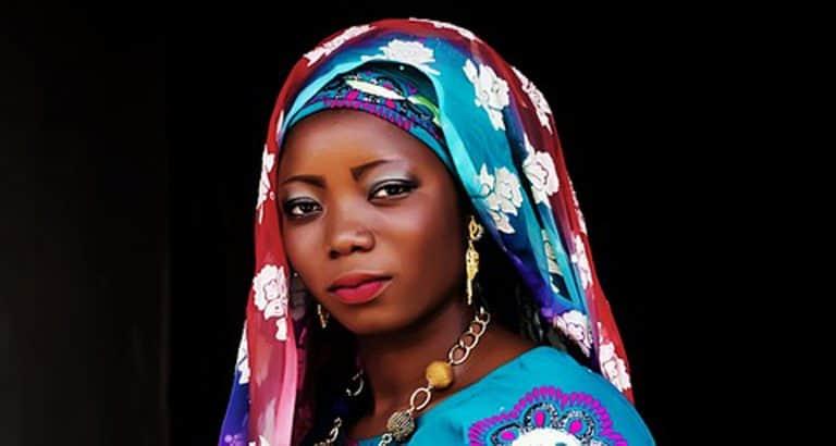 mere feministe fils marier femme noire pixabay