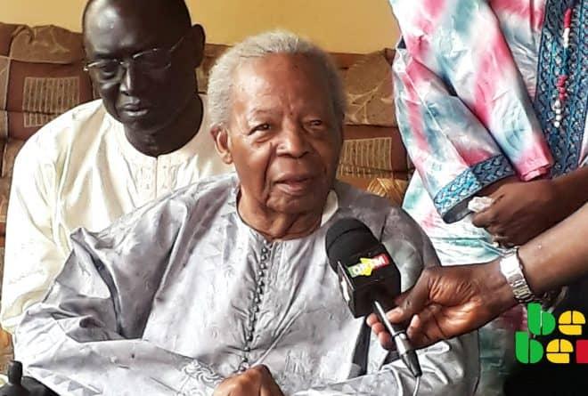 Twittoscopie : le Mali rend hommage à l'écrivain et homme politique Seydou Badian Kouyaté