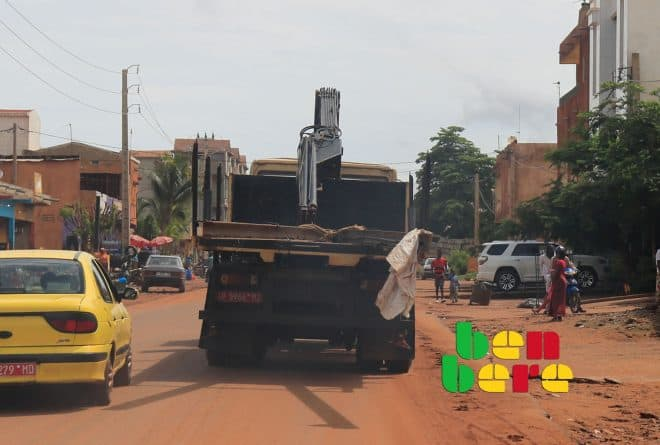 La route de Kalabancoro est devenue un bordel sans nom