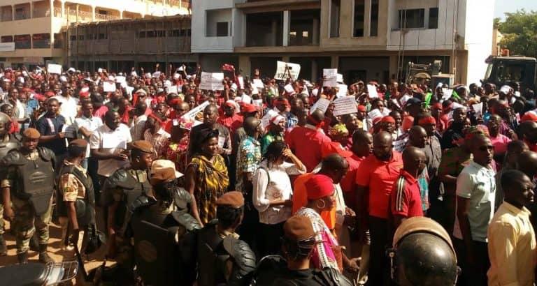 bamako enseignants salaires marches enseignants