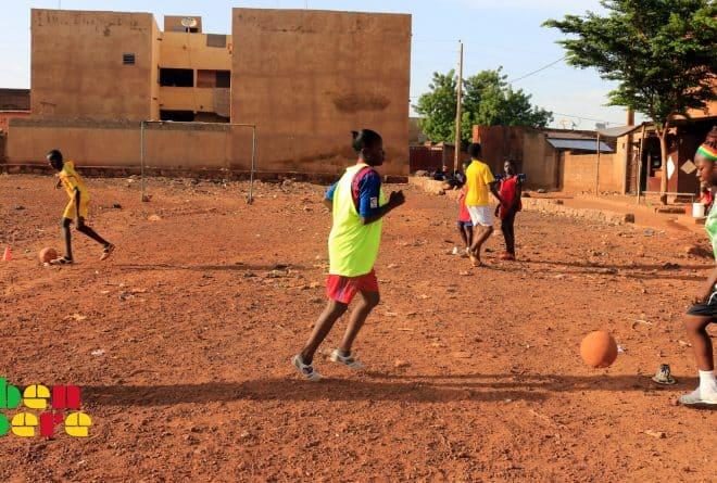 #LaissezNousJouer – Alkalifa Coulibaly : « La spoliation des espaces sportifs compromet l'avenir des jeunes »