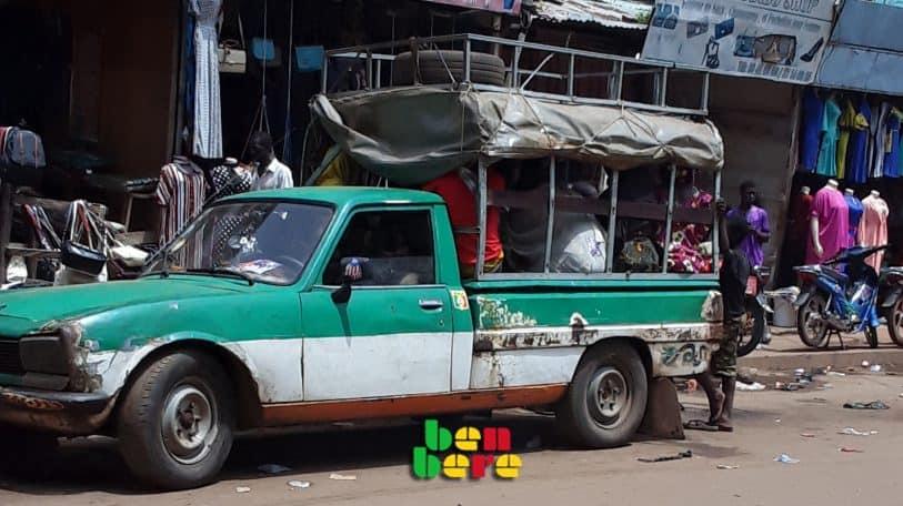 Bamako: les Dourouni, transport en voie de disparition