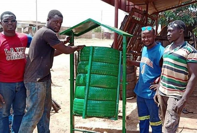 Une poubelle en pneus recyclés : l'invention d'un jeune burkinabè