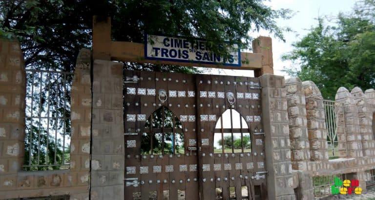 Tombouctou : cérémonies mortuaires ou lieux de causeries ?