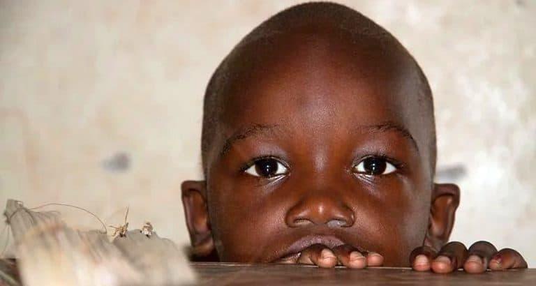 Mali : le triste sort des orphelins de féminicide