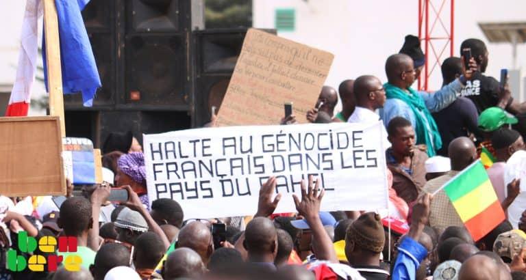 Marches anti-présence française au Mali : peut-on parler de « génocide de la France » ?