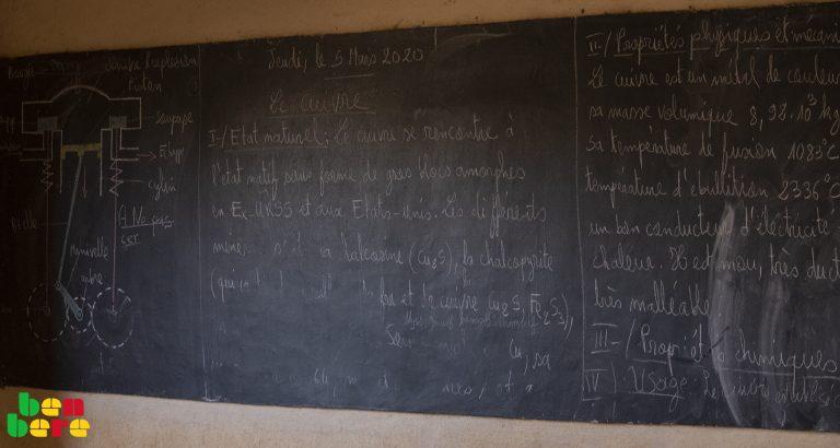 Éducation : à l'épreuve du coronavirus, écoles fermées cherchent alternatives