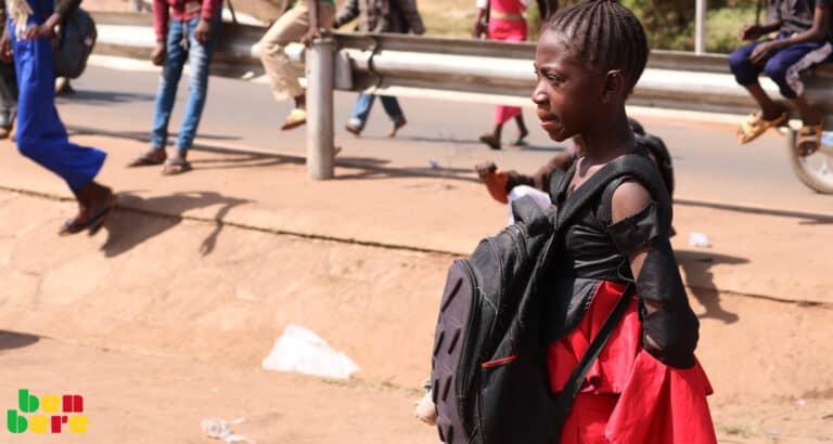 #EllesFontFace : les filles plus touchées que les garçons par la fermeture des écoles