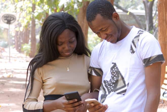 Le flirt, une voie vers une relation durable