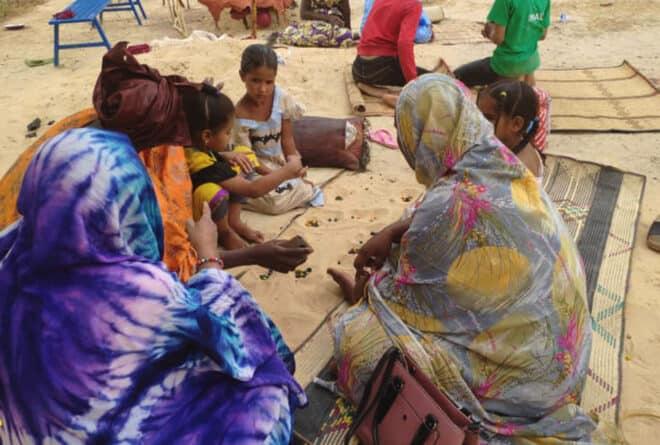 Nomades bérabiches : un pied en ville, un autre dans le désert