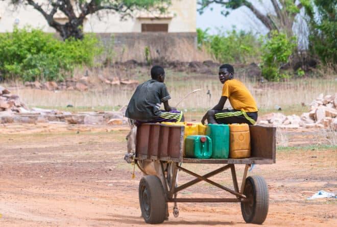 Ibrahim Togo : profession revendeur d'eau à Bamako