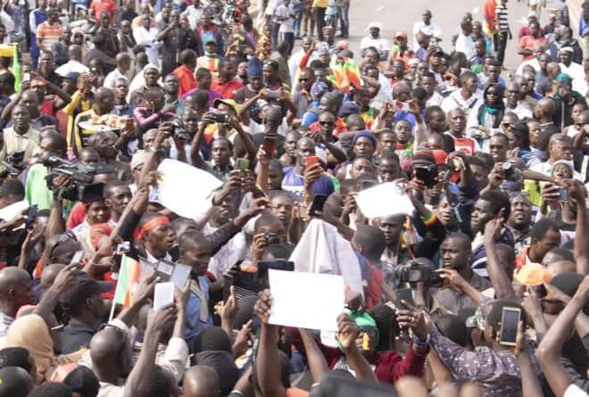 Tribune : « La jeunesse ne doit pas seulement être une force à mobiliser dans les rues »