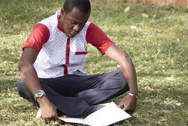 « Mes pensées perdues » : plongée dans les souvenirs politiques de Moustapha Dicko