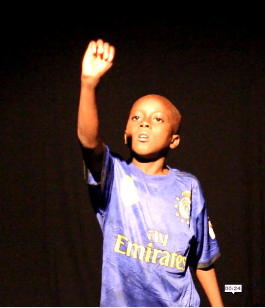 Adama Bambara en performance solo