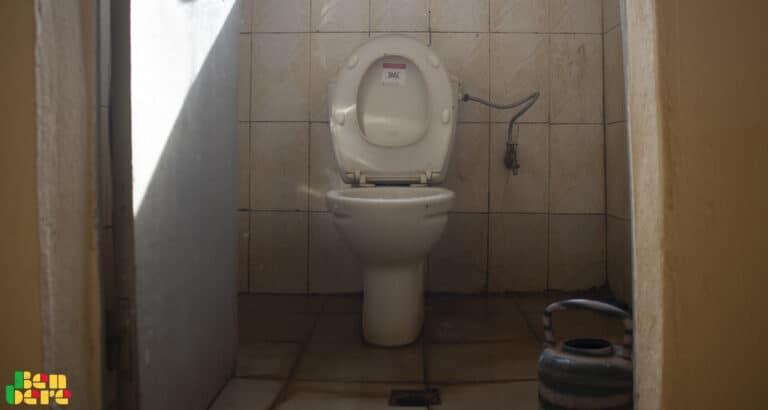 Toilettes publiques : danger sanitaire !