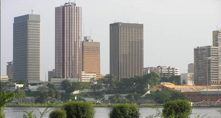 Covid-19 : les experts en conclave à Abidjan