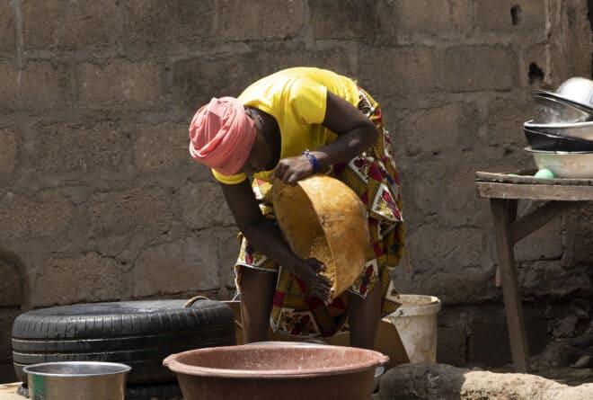 Mali : le vote vu par les aide-ménagères